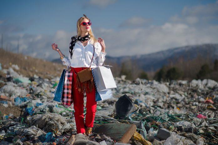 negative impacts fast fashion
