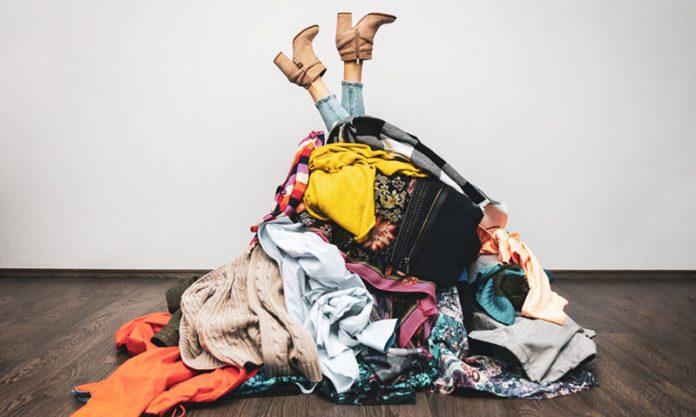 minimalist wardrobe main