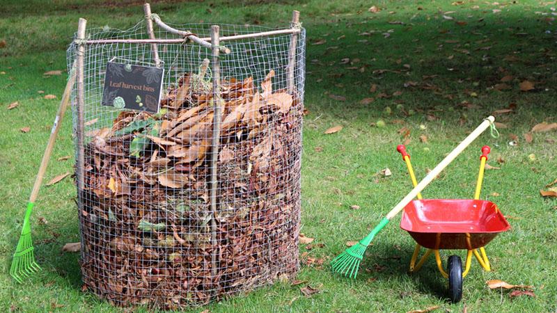 diy compost bin fence